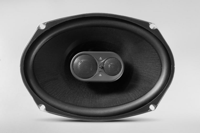 JBL GTO938 Featured