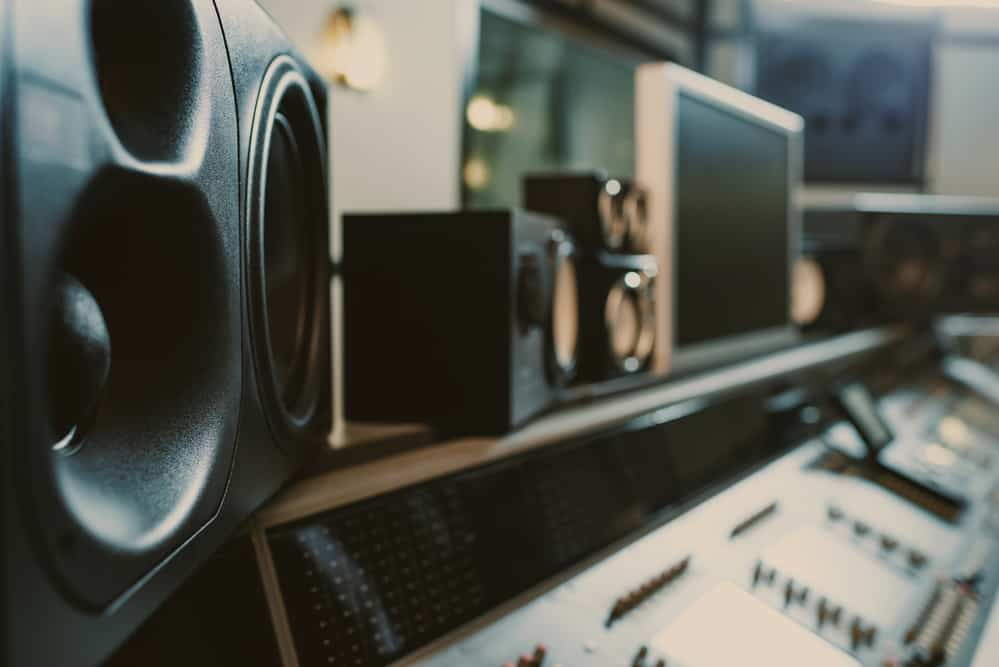 dynamic monitors at recording studio