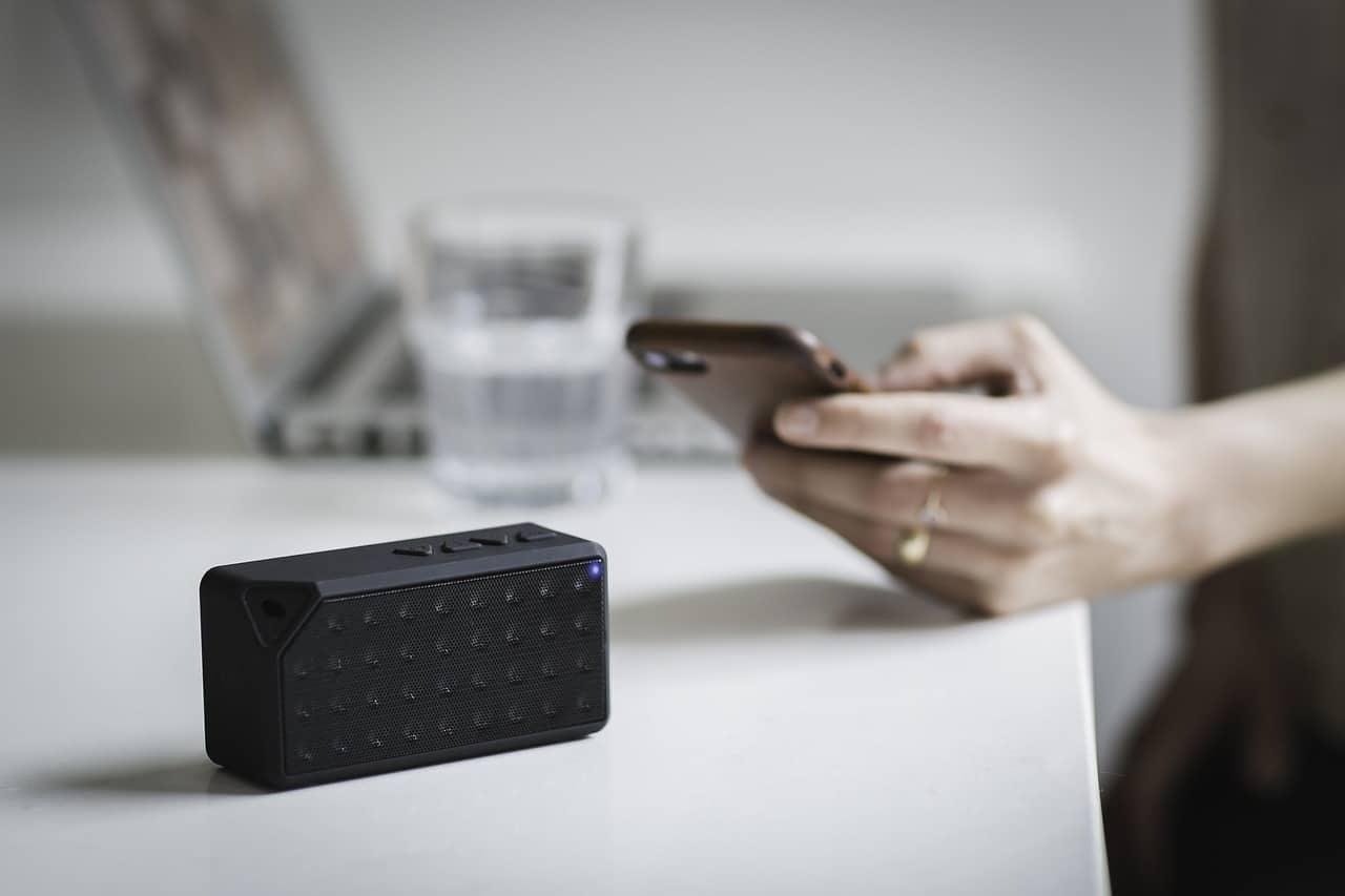 phone with bluetooth speaker